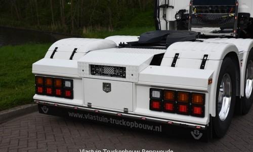 VLASTUIN-ACHTERBUMPER-131